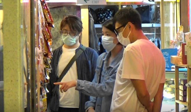 Ngọc nữ số 1 Hong Kong quyết không sinh con để giữ dáng gợi cảm, vẫn bị chồng phản bội 8 lần-9