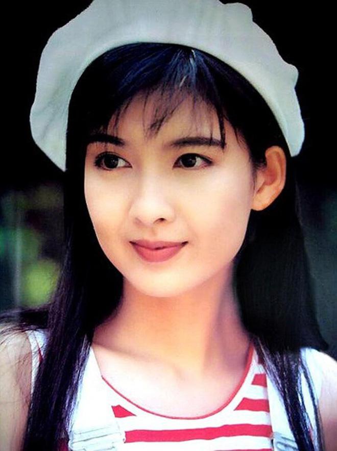 Ngọc nữ số 1 Hong Kong quyết không sinh con để giữ dáng gợi cảm, vẫn bị chồng phản bội 8 lần-2