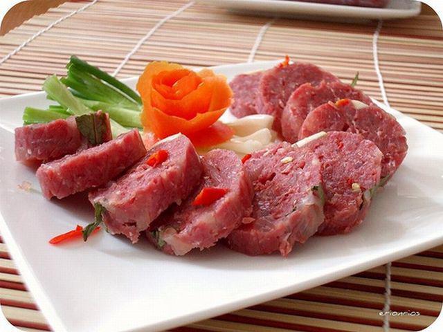 Người phụ nữ bị giun sán làm tổ trong não vì một lần ăn thịt lợn theo cách tai hại-3