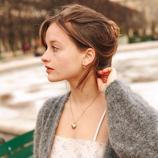 Phụ nữ Pháp có 3 cách buộc tóc để diện mạo luôn tươi mới và toát lên vẻ tao nhã, sang trọng-13