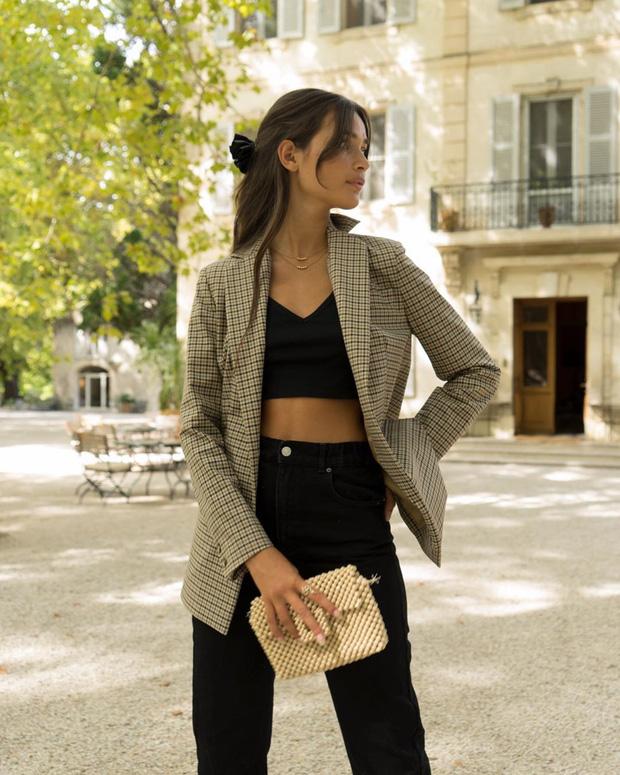 Phụ nữ Pháp có 3 cách buộc tóc để diện mạo luôn tươi mới và toát lên vẻ tao nhã, sang trọng-5