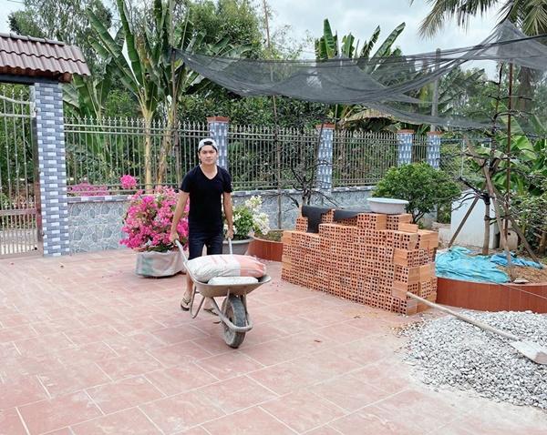 Quyền Linhvà nhiều sao Việt chăm vườn trái cây khi về quê-4