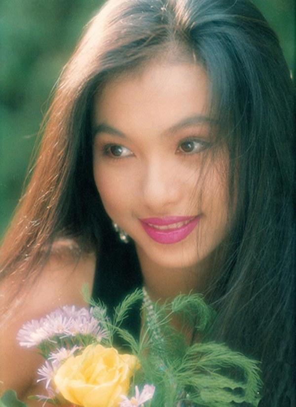 Nhan sắc thời trẻ của hoa hậu giàu nhất Việt Nam-1
