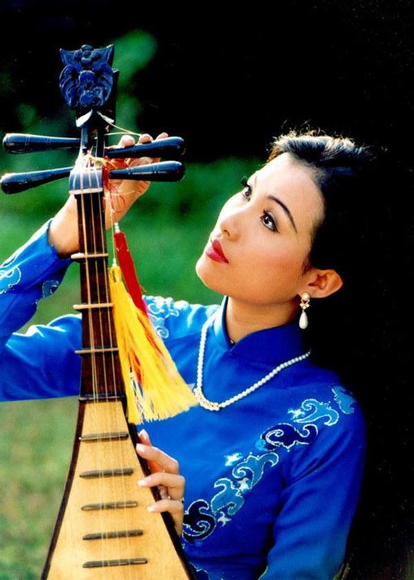 Nhan sắc thời trẻ của hoa hậu giàu nhất Việt Nam-2