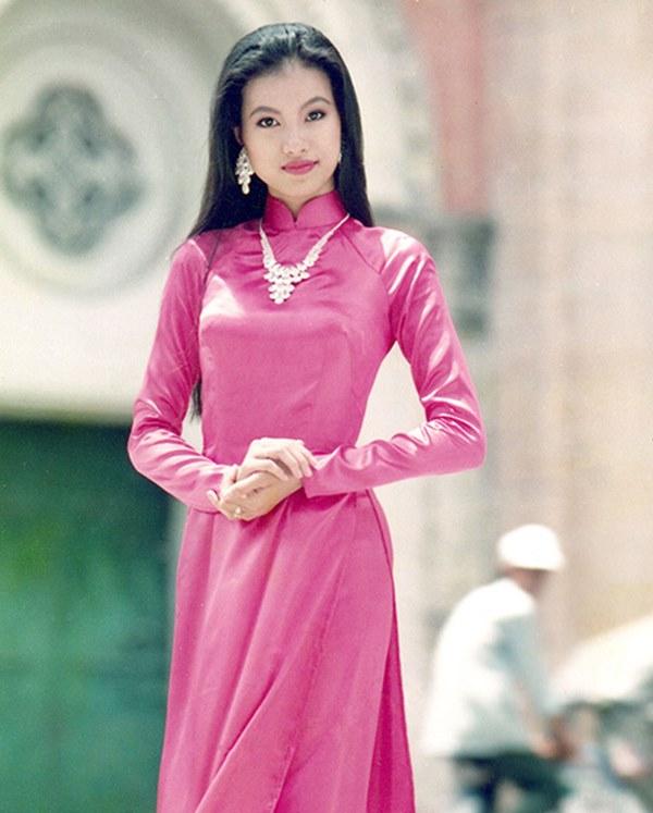 Nhan sắc thời trẻ của hoa hậu giàu nhất Việt Nam-3