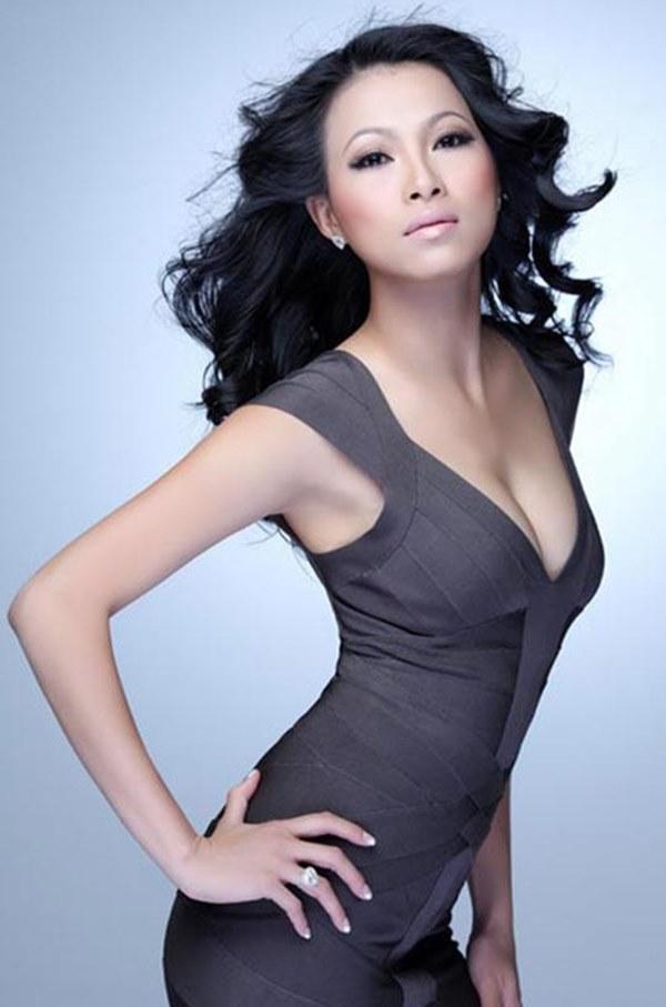 Nhan sắc thời trẻ của hoa hậu giàu nhất Việt Nam-6