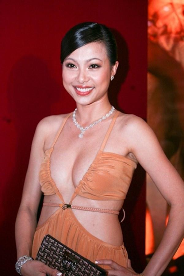 Nhan sắc thời trẻ của hoa hậu giàu nhất Việt Nam-8