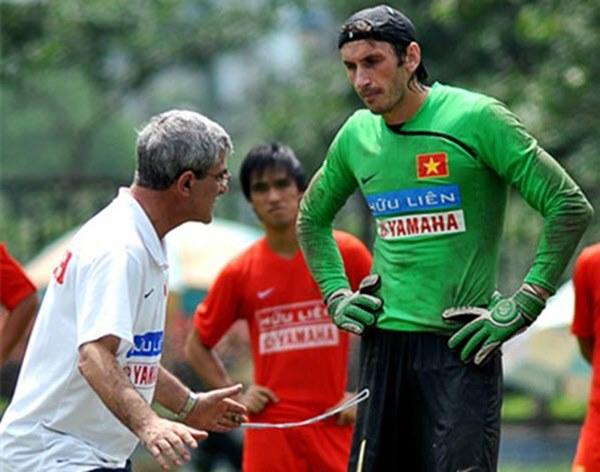 TOP 5 thủ môn cao nhất từng khoác áo ĐTVN: Đặng Văn Lâm đứng cuối bảng-3