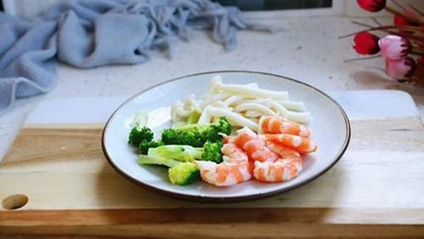 Tự làm Mỳ Ý kem hải sản, giàu dinh dưỡng, vị ngon như ngoài hàng-1