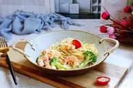 Tự làm Mỳ Ý kem hải sản, giàu dinh dưỡng, vị ngon như ngoài hàng