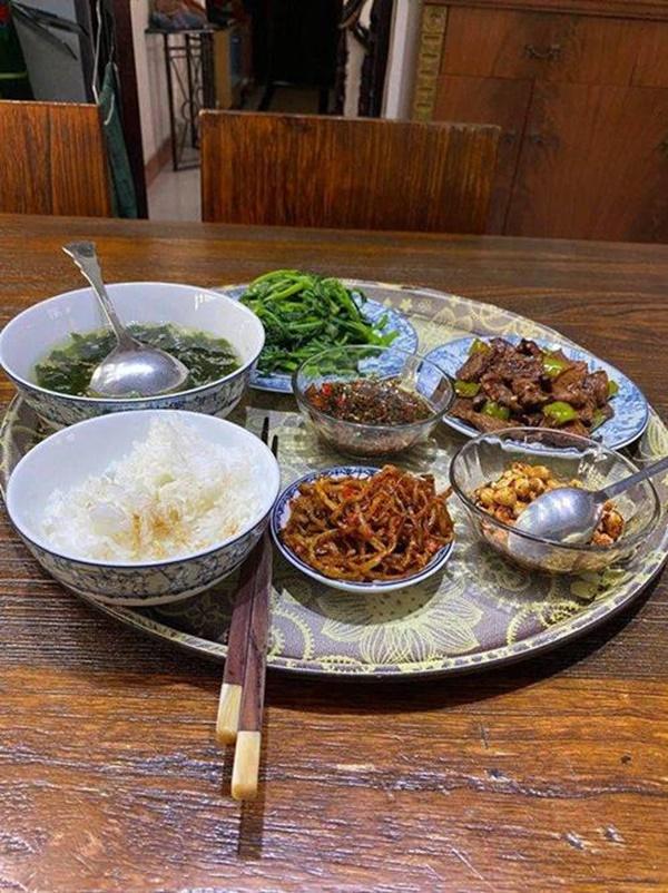 55 tuổi chưa lập gia đình nhưng Quang Linh quá đảm, mẹ Hồ Ngọc Hà nhìn món ăn đã thèm-3