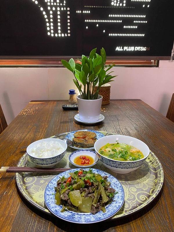 55 tuổi chưa lập gia đình nhưng Quang Linh quá đảm, mẹ Hồ Ngọc Hà nhìn món ăn đã thèm-4