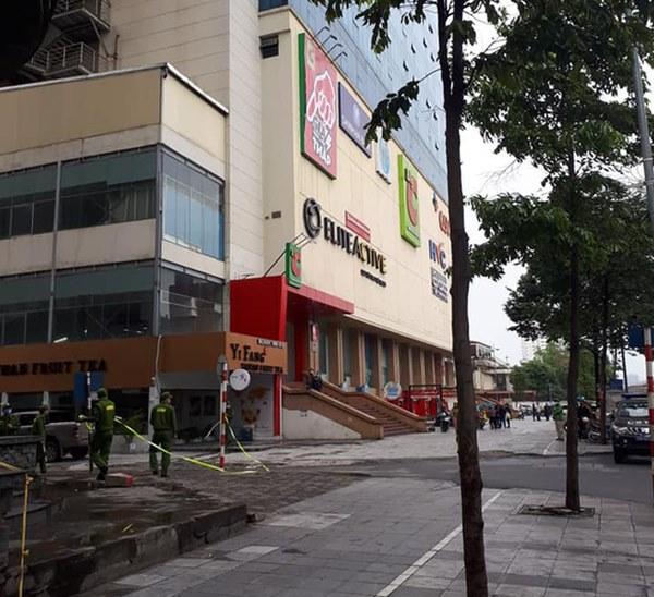 Hà Nội: Bàng hoàng phát hiện 1 người phụ nữ rơi từ tầng cao khu vực siêu thị Big C Hà Đông xuống đất tử vong-2