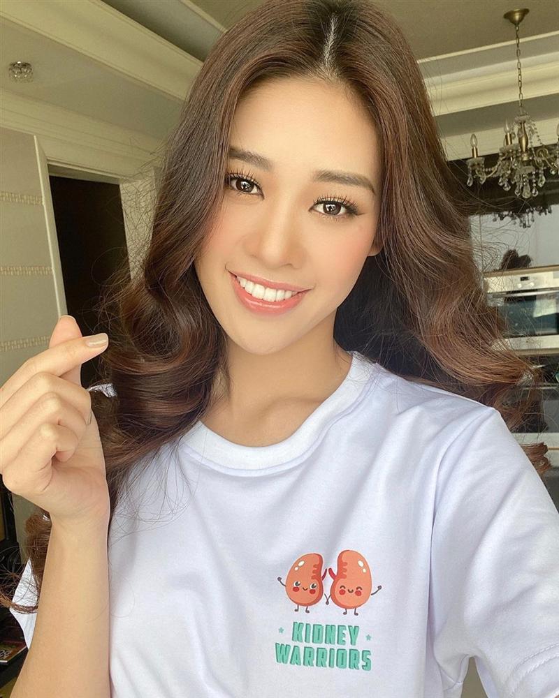 Hoa hậu Khánh Vân trẻ ra ít nhất 3 tuổi nhờ thay đổi cách trang điểm mắt, chị em cũng nên rút kinh nghiệm ngay-1