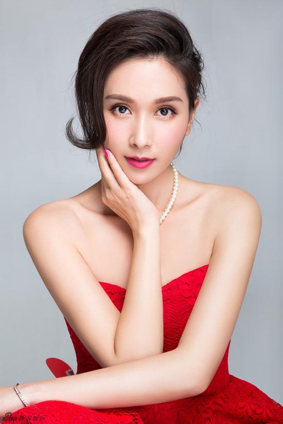 Hoa hậu châu Á đẹp nhất lịch sử: Bẽ bàng vì lộ ảnh nóng, bị đánh ghen, U50 sống cô độc-4