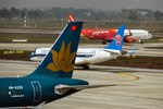 Vì sao giá vé máy bay bất ngờ tăng cao?-3