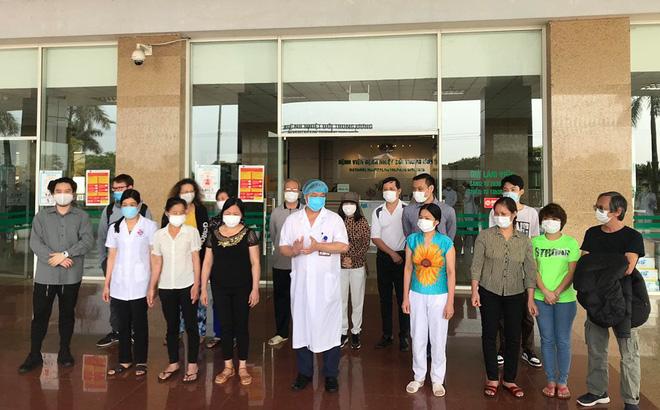 Cụ ông bị ung thư khỏi Covid-19: Sau khi khám bệnh tại BV Bạch Mai về tôi bị sốt và mua thuốc cúm về uống-1