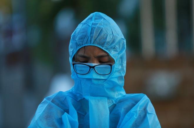 Thêm 1 ca mắc Covid-19, bệnh nhân từng đến chăm mẹ ở Bạch Mai-1