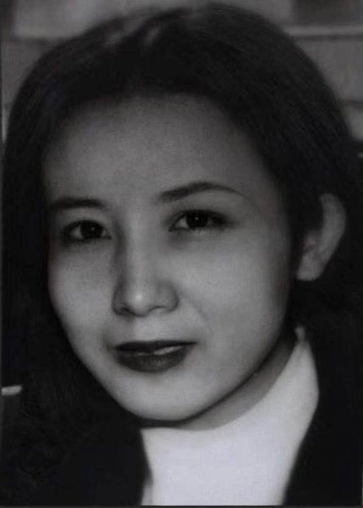 Cảnh sát treo thưởng 333 triệu đồng truy bắt nghi phạm giết người 20 năm trước mệnh danh mỹ nữ độc xà sở hữu diện mạo vô cùng xinh đẹp-2