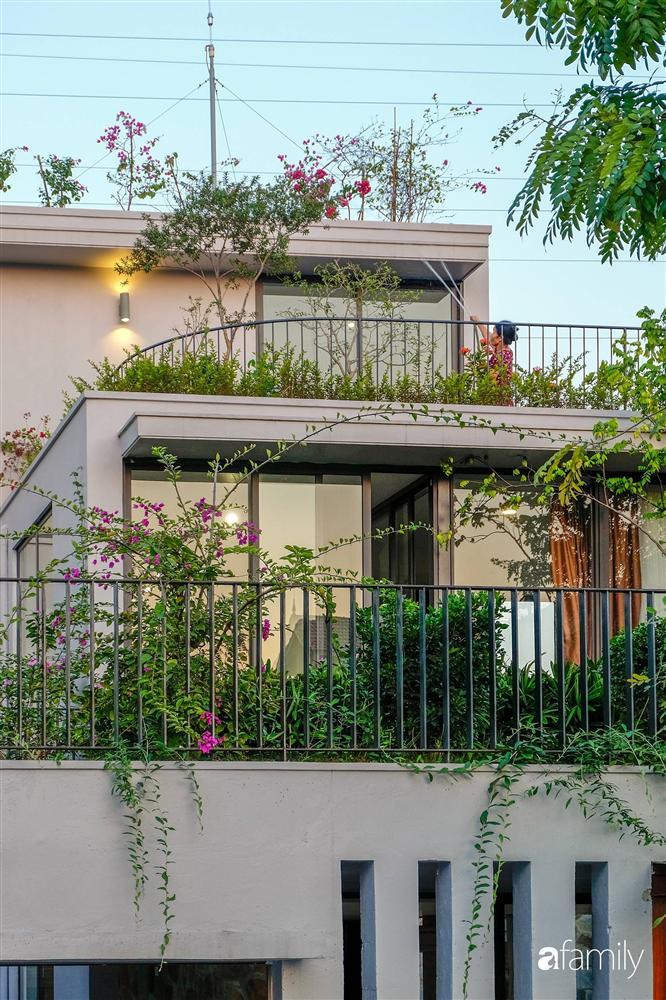 Ngôi nhà 3 tầng lấy cảm hứng từ ruộng bậc thang giúp từng góc nhỏ gần hơn với thiên nhiên ở Ninh Bình-11