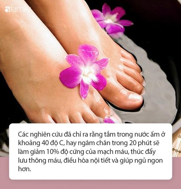 Người phụ nữ đột nhiên tử vong sau khi ngâm chân trong nước ấm, 3 nhóm người sau nhất định cần thận trọng khi ngâm chân trong nước ấm-1