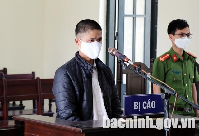 1 năm tù cho người không đeo khẩu trang, đập vỡ điện thoại công an-2