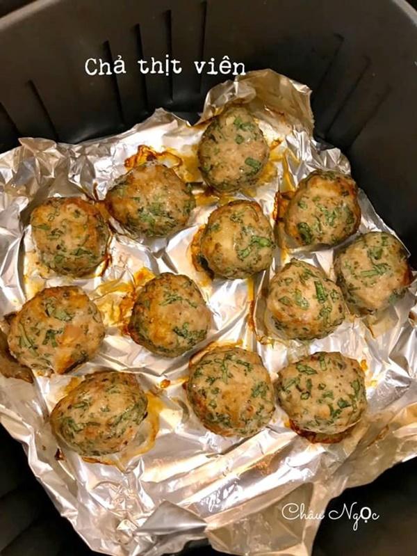Chị em bỏ túi ngay cách làm 21 món ăn từ nồi chiên không dầu của mẹ đảm Hà Nội-17