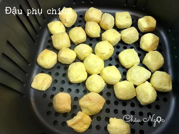 Chị em bỏ túi ngay cách làm 21 món ăn từ nồi chiên không dầu của mẹ đảm Hà Nội-21