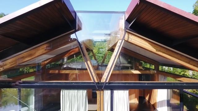 """Ngôi nhà nằm giữa hồ với mái nhà chẻ đôi"""": Sáng đón nắng, đêm ngắm sao-4"""