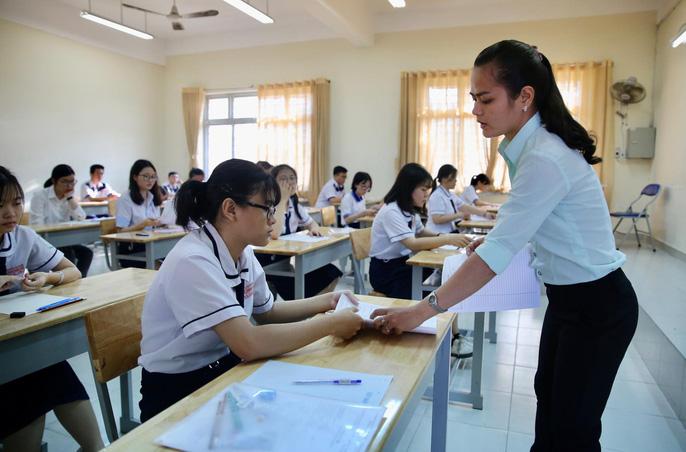 Sau loạt ý kiến về việc bỏ hay vẫn thi tốt nghiệp, Bộ GD-ĐT chính thức trình Chính phủ phương án thi THPT quốc gia-1
