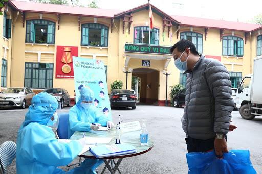 Bệnh viện Việt Đức lên tiếng về tin đồn có nhân viên mắc COVID-19-1