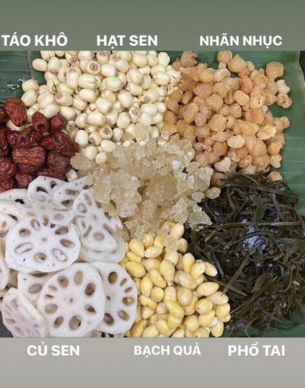 Siêu mẫu Ngọc Thạch giờ thành mẹ đảm, nấu ăn mùa dịch bị trêu Lượm hình trên mạng-8
