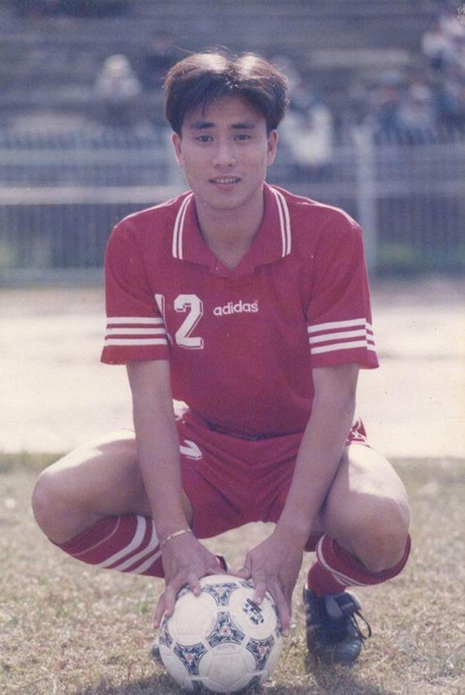 Những tuyển thủ Việt Nam biến mất sau bàn thắng để đời: Người giải nghệ ở tuổi 22, người bị cấm thi đấu vĩnh viễn-11