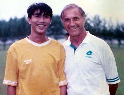 Những tuyển thủ Việt Nam biến mất sau bàn thắng để đời: Người giải nghệ ở tuổi 22, người bị cấm thi đấu vĩnh viễn-1