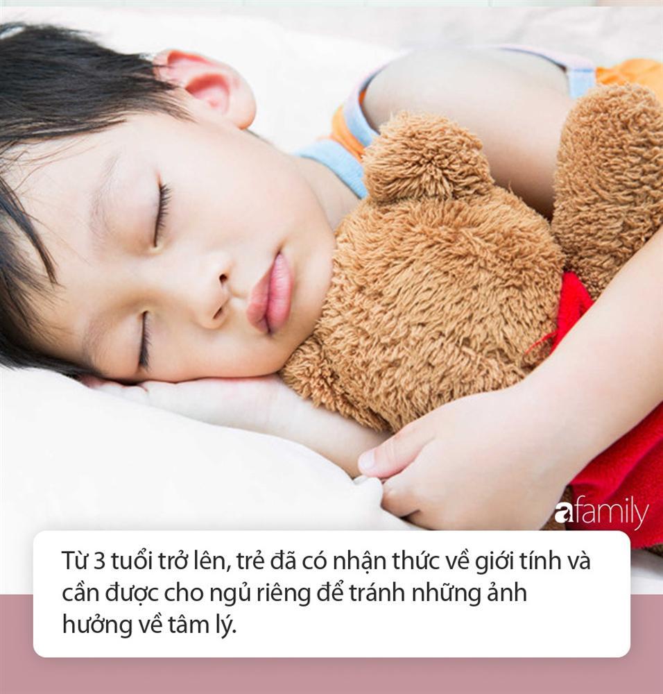 Cô giáo mầm non gửi ảnh các bé ngủ ngoan ngoãn cho phụ huynh, ai ngờ bị mọi người đồng loạt phản đối vì 1 lý do-2