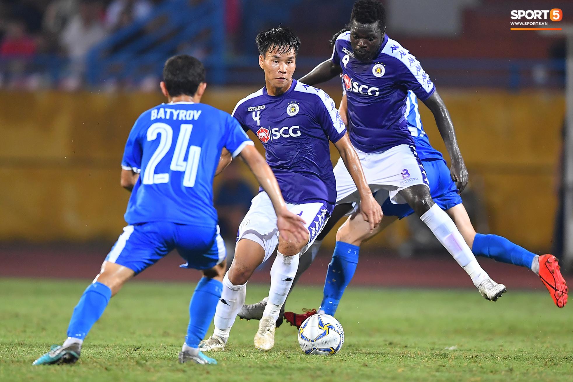 Dàn cầu thủ sinh vào tháng 4 của Việt Nam: Ghép lại sơ sơ cũng được một đội hình rất gì và này nọ-2