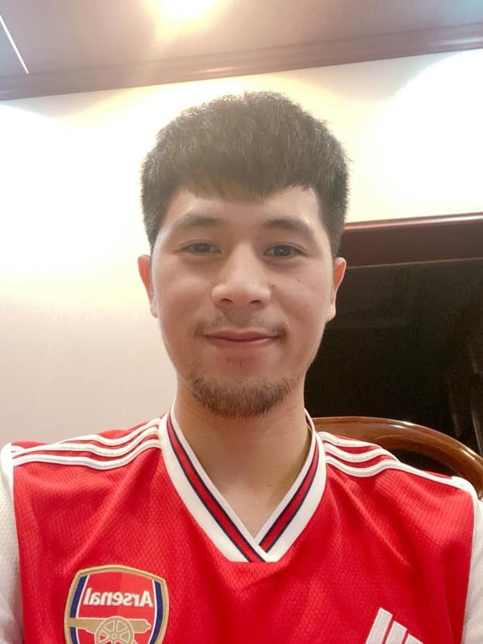 Chuyện tóc tai mùa dịch của cầu thủ: Đức Chinh cố thủ không để thầy cắt tóc, bất ngờ với Đình Trọng râu ria xồm xoàm-6