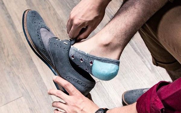Đi giày làm tăng nguy cơ lây nhiễm Covid-19: Chuyên gia nói gì?-2