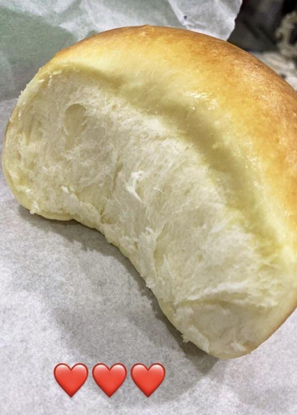 Hòa Minzy phân biệt đối xử, làm bánh cho chồng và cho Đức Phúc khác một trời một vực-10