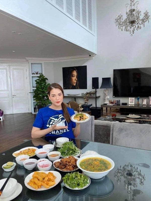 Trương Ngọc Ánh ở tuổi 43: Nhan sắc rực rỡ hơn gái tân, ở biệt thự thuộc hàng siêu khủng-3