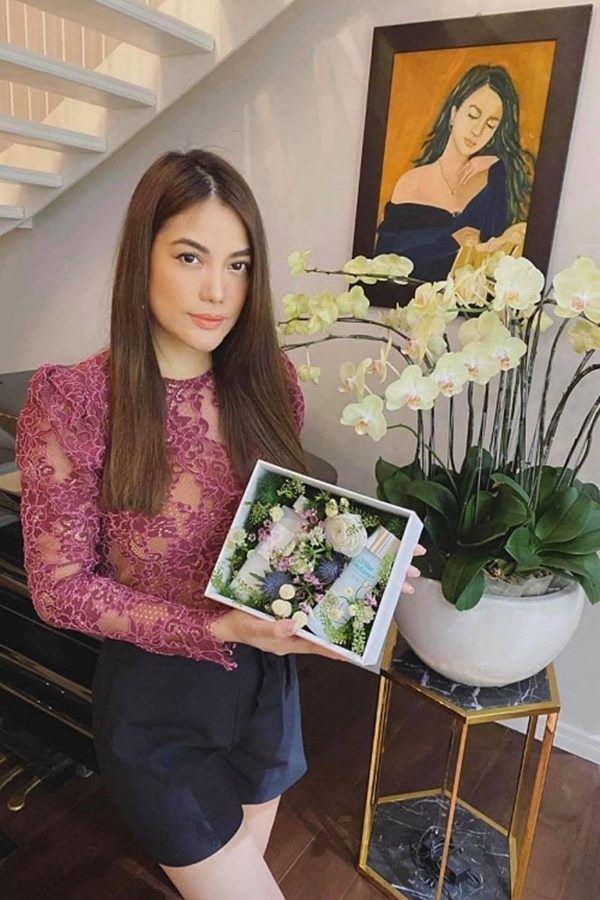 Trương Ngọc Ánh ở tuổi 43: Nhan sắc rực rỡ hơn gái tân, ở biệt thự thuộc hàng siêu khủng-6