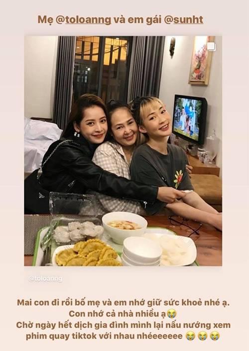 Mẹ nuôi của Chi Pu lộ mặt, U50 mà ăn diện trẻ trung như chị em với con gái-1
