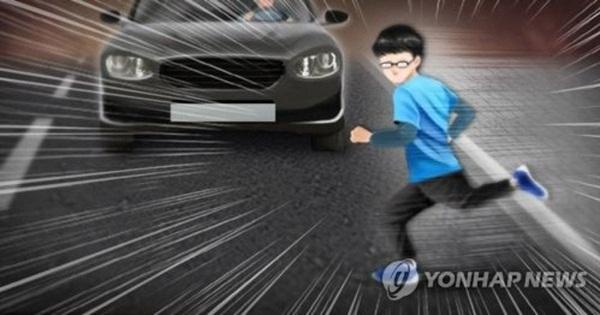 Vụ tai nạn đau lòng ở Hàn Quốc: Mẹ lái ô tô tông chết con trai 8 tuổi, đau khổ đến mức chưa thể hợp tác điều tra-1
