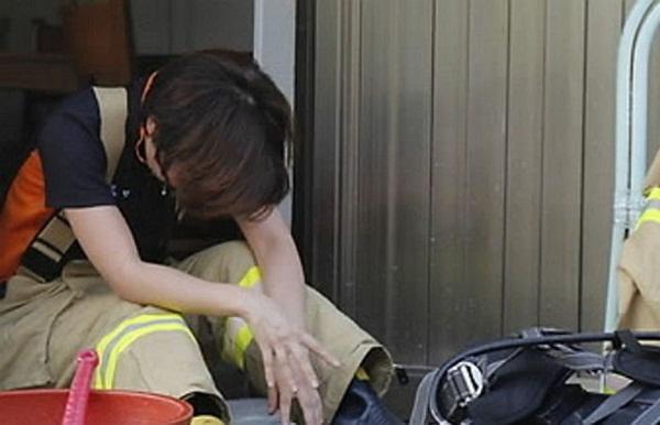 Vụ tai nạn đau lòng ở Hàn Quốc: Mẹ lái ô tô tông chết con trai 8 tuổi, đau khổ đến mức chưa thể hợp tác điều tra-2