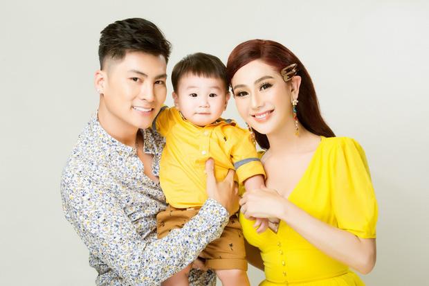 Lâm Khánh Chi livestream làm rõ mười mươi chuyện rạn nứt hôn nhân sau 1 tuần giữ im lặng-1
