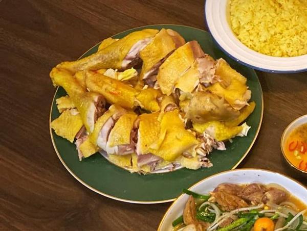 Chỉ một con gà, mẹ đảm làm mâm cơm đủ món ngon, chồng con tưởng được ăn hàng-4
