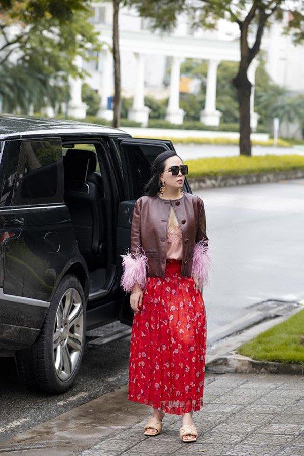 Phượng Chanel đụng hàng với Hồ Ngọc Hà: Người đắp hàng hiệu nhiều hơn lại thua đau mới khổ-1