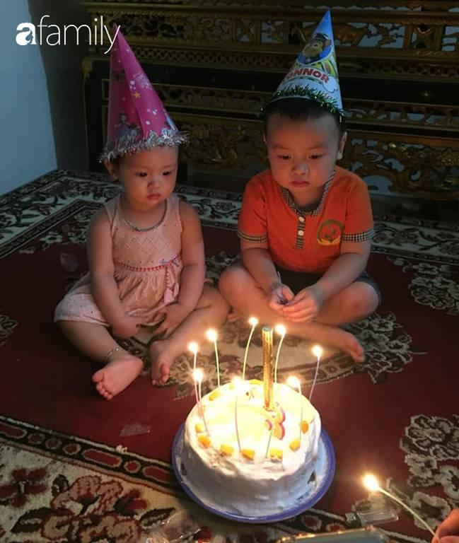 Hí hửng được dì làm bánh sinh nhật, bé 3 tuổi bê chiếc bánh mà chán không muốn nhìn, dân mạng xem ảnh thì cười ốm người-4