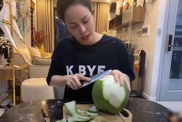 Nhật Kim Anh ra tay làm 2 món ăn chơi ngon miệng, fan khen: Đã đẹp lại giỏi đa chiều-8