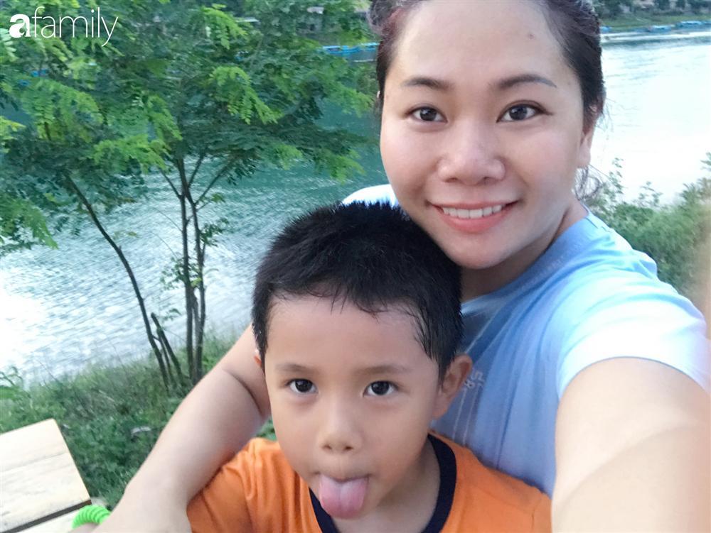 Vượt qua cú sốc con tự kỷ, nữ giám đốc ở Hà Nội đóng 4 cơ sở dạy tiếng Anh, đổi mọi công sức và tiền bạc lấy... 3 giây con nhìn vào mắt mình-2